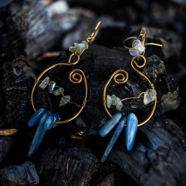 Kyanite & labradorite hoop earrings